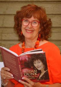 Annie Dunch, forfatter af Madam Dunk, Liv efter liv, Inspiration of Kreativitet, Nyd Nuet og Livsmod & Livsglæde samt flere.